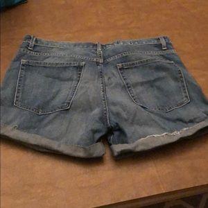 GAP Shorts - Gap Sexy Boyfriend Denim Shorts Size 29